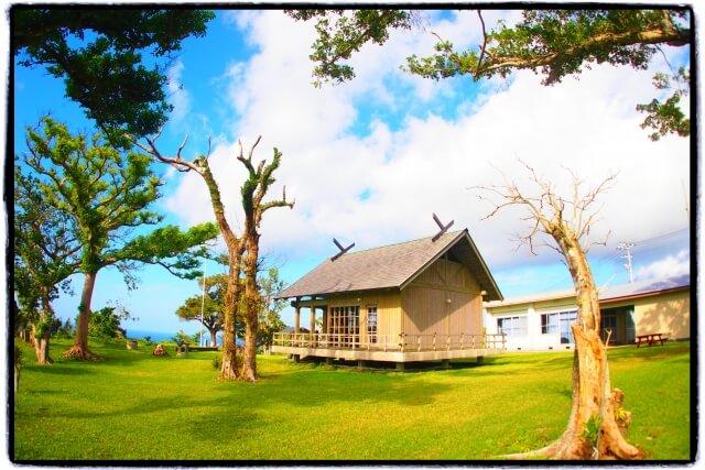 喜界島の城久集落にある八幡神社